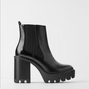 Zara New heeled booties